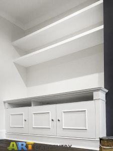 Traditional style alcove fitted TV cabinets with chunky and open shelving