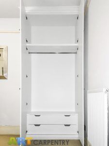 Traditional style alcove fitted wardrobe